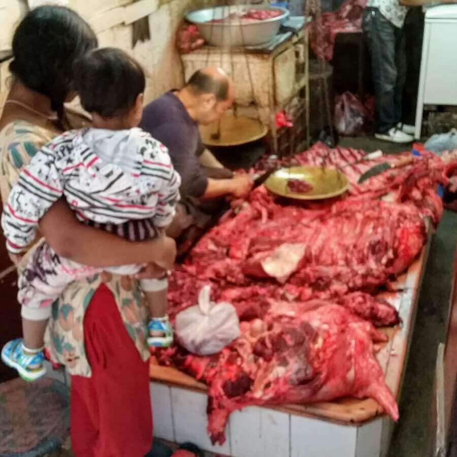 To my Nepalese friends. Don't panic. In Sundhara behind New Road you find my trusted butcher since 2012 who only sells buff. You have to be there before 7:30 am to rescue the sirloin for getting chopped to atoms The Nepalese Way LOL