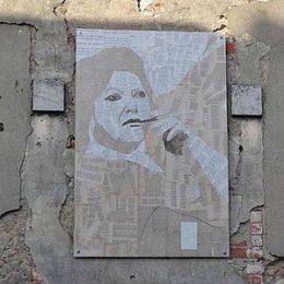 Street art meets literature around tings Lisbon